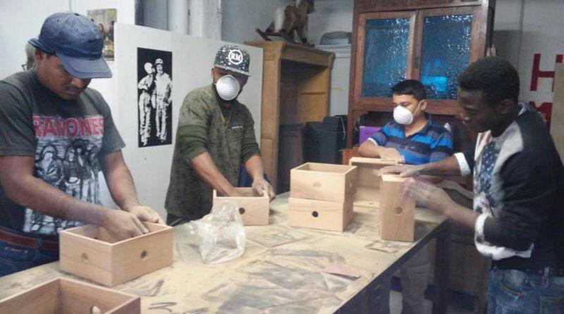"""Dalla """"Bottega dei Mestieri"""" alla ceramica raku: gli ospiti SPRAR si reinventano con l'handmade"""