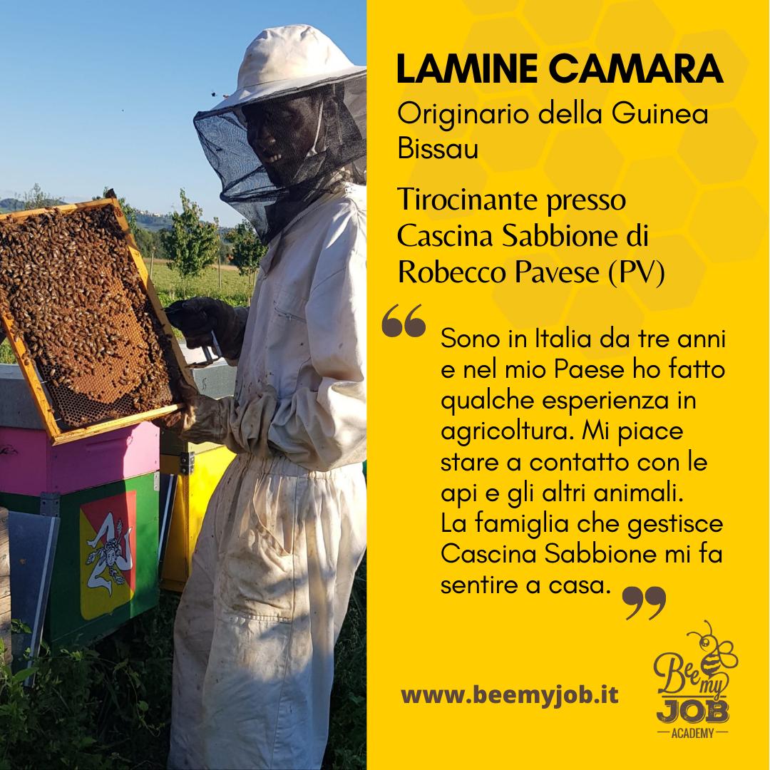 """Le storie di Bee My Job: Lamine al lavoro in una microfattoria. """"Mi sento come a casa"""""""